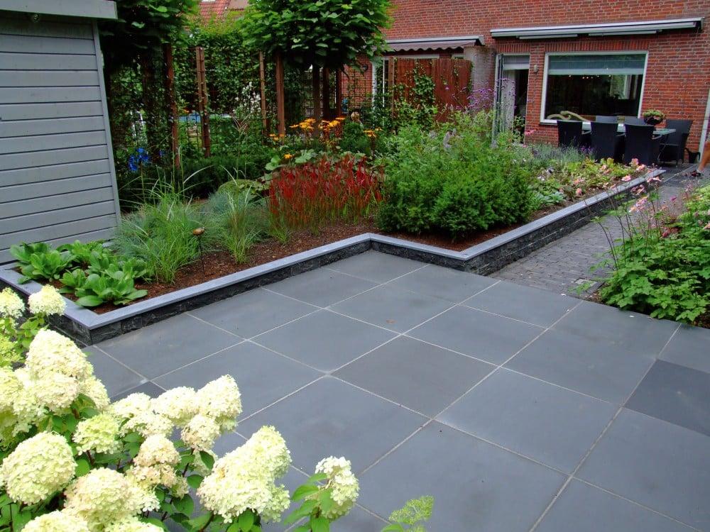 Moderne stadstuin passie voor tuinen for Huis in de tuin